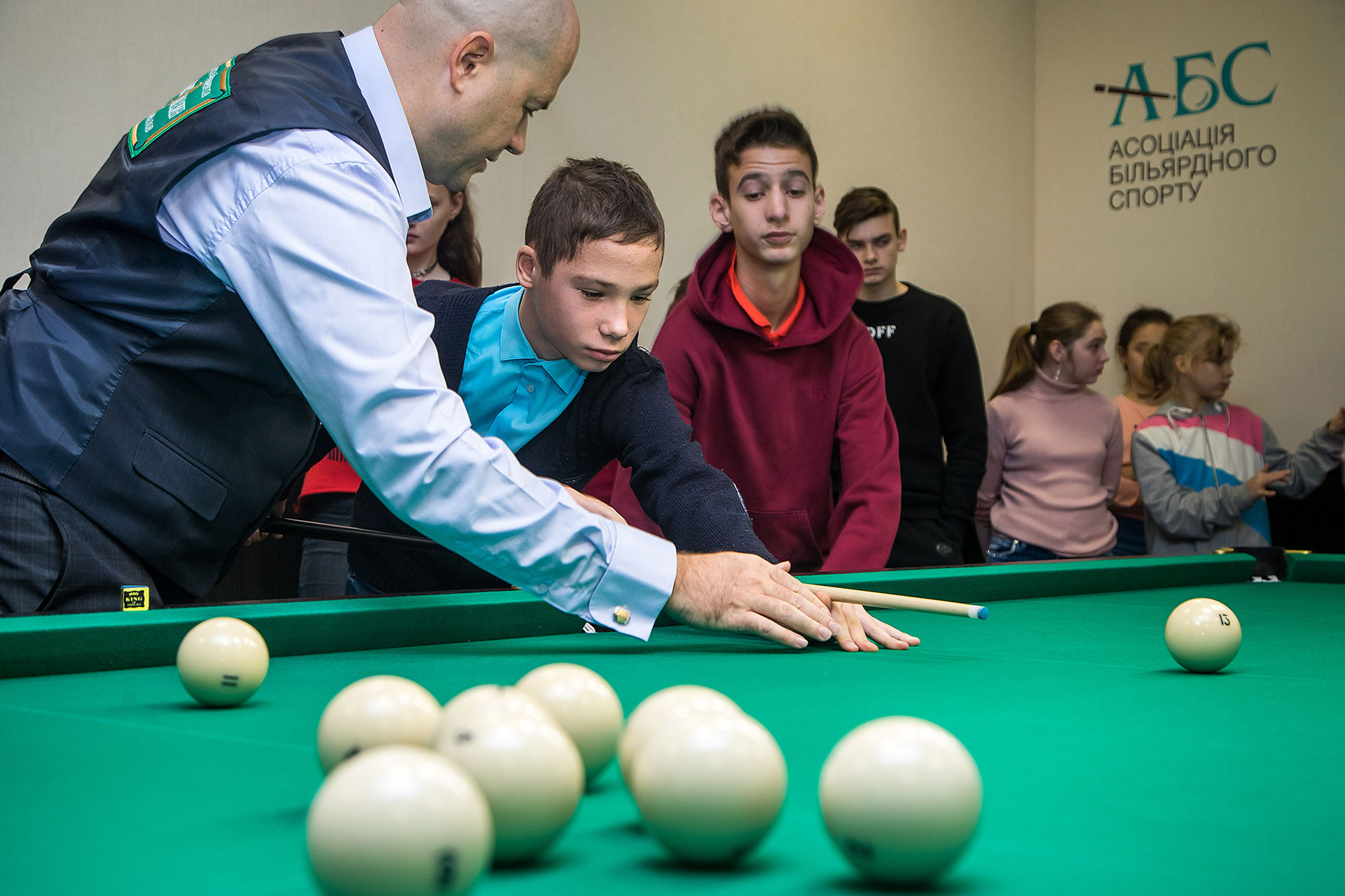 Открытие первого в Украине бильярдного зала для детей состоялось в Одессе в школе №97